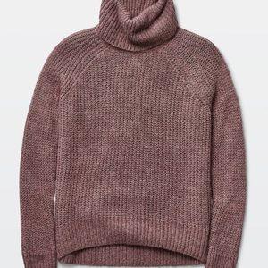 Aritzia Talula Vauxhall rib knit turtleneck S